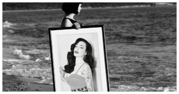 Create your photo in a black and white artistic style at the beach!